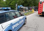FOTO Il camion ribaltato sullo svincolo dell'A21 a Cremona