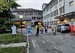 FOTO Coronavirus, l'omaggio agli operatori sanitari dell'ospedale di Bozzolo