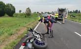 Perde il contro della moto, grave incidente a Chieve