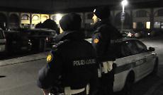 Rissa nella notte in via Crispi, un ferito trasportato in ospedale