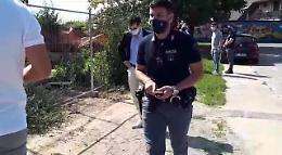 VIDEO Cadavere trovato in un cantiere: l'arrivo del magistrato
