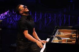 Matthew Lee stasera in concerto a Viadana