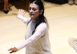 Carla Fracci rosa che danza