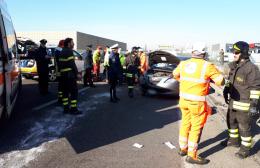 Furgone tampona auto, ferite serie per un anziano