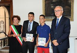 """Cittadinanza italiana, cerimonia e poi """"gli insulti e le prepotenze"""""""