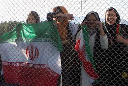 Iran: le donne potranno andare allo stadio, ma solo per le partite della nazionale