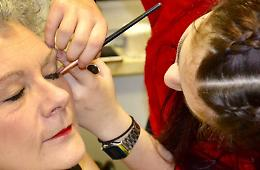 Violenza contro le donne, make-up solidale