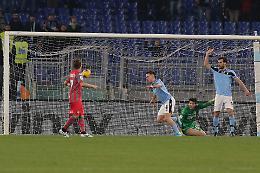 Lazio troppo forte (4-0), Cremonese eliminata