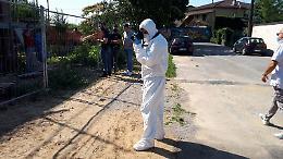 FOTO Cadavere trovato in un cantiere, la polizia e la scientifica sul luogo del ritrovamento