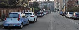 «Assediati dalle auto in sosta. Ora più pattuglie e controlli»