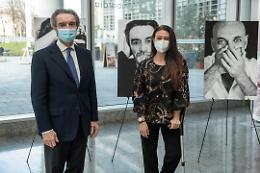 8 Marzo, Fontana e Giusy Versace presentano «I muri del silenzio»
