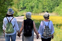 Donne in menopausa, dagli esperti un programma alimentare