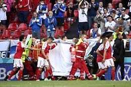Paura Eriksen e gol Pohjanpalo, Danimarca-Finlandia 0-1