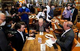 "I ristoratori: ""Sì, dovremmo aprire i locali ai clienti già vaccinati"""