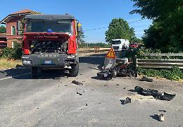 Scontro frontale tra moto e betoniera sulla via Bergamo, muore Paolo Riboli