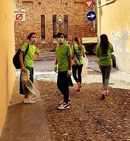 Piccole cose per grandi relazioni: a Cremona 100 giovani all'opera