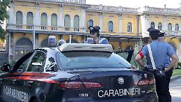 Clandestino cerca di scappare e danneggia l'auto dei carabinieri