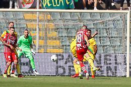 Ternana battuta (2-0), la Cremonese vola nell'alta classifica