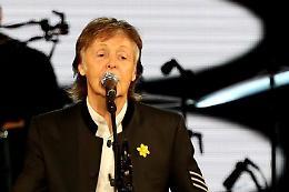 Beatles, McCartney: «Fu Lennon a voler sciogliere la band, non io»
