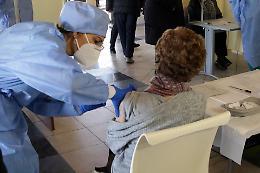 Avis attaccata sui social: «Ritorno economico per ogni vaccinato»