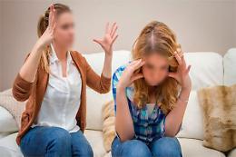 Mamma si difende in aula: «Dalle mie figlie nessun rispetto»