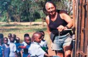 Il nonno solidale, Marino scava pozzi in Africa