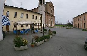 Santo Stefano: non c'è un negozio e sono pure senza trasporto pubblico