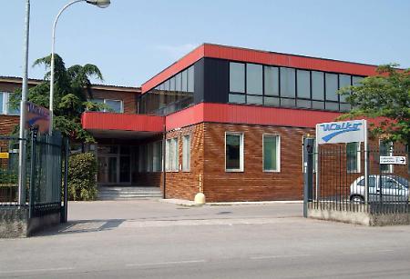 L 39 area welko trasformata in verde e negozi la provincia for Esse arredi spino d adda cr