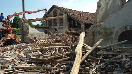 Orosei, tromba d'aria in spiaggia a Cala Ginepro: 15 feriti