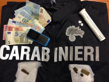 Amalfi, spaccio di droga e resistenza a pubblico ufficiale: arrestato 19enne