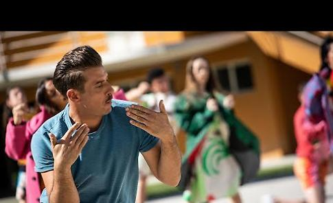 VIDEO La nuova clip di Francesco Gabbani 'Il Sudore Ci Appiccica' registrato alle Colonie Padane