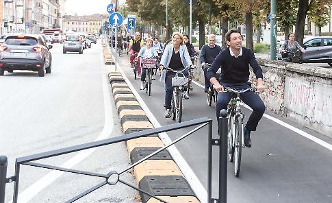 Inaugurata la pista ciclabile di via Mantova