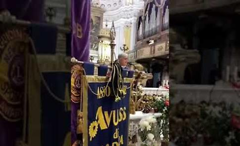 VIDEO Folla ai funerali del sindaco Giovanni Cavatorta