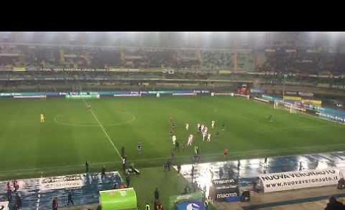 VIDEO - Verona-Cremonese, i tifosi dell'Hellas fischiano la propria squadra