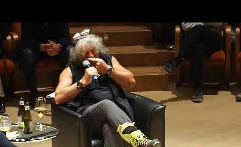 VIDEO Mauro Corona al Museo del Violino di Cremona
