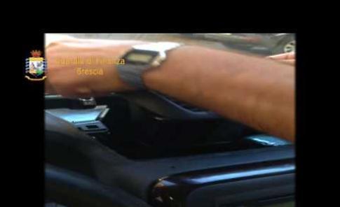 VIDEO Raffineria di eroina a Castelverde, l'operazione della Gdf di Brescia