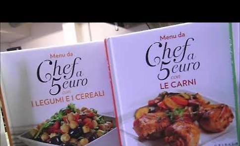 VIDEO Gli chef del ristorante Dordoni con i libri de La Provincia
