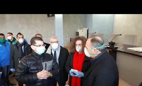 VIDEO Crema, l'incontro tra l'assessore Gallera e i medici cubani