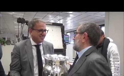VIDEO Il presidente Aldo Vanoli con la Coppa Italia nella redazione de La Provincia