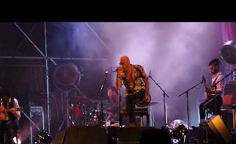 VIDEO 2  Il concerto dei Negrita in piazza del Comune di Cremona
