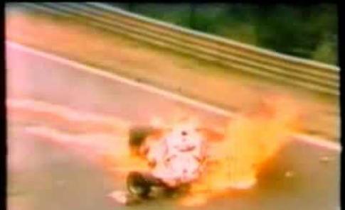 VIDEO Niki Lauda:  nel 1976 sopravvive al rogo del Nurburgring