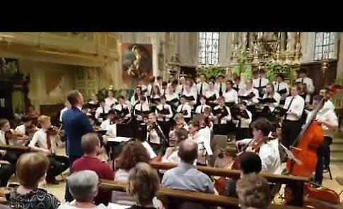 VIDEO Concerto di coro e orchestra d'archi di Magdalen college School di Oxford nella chiesa dell'Assunta a Sabbioneta